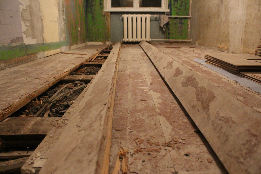 Старый деревянный пол в хрущевке