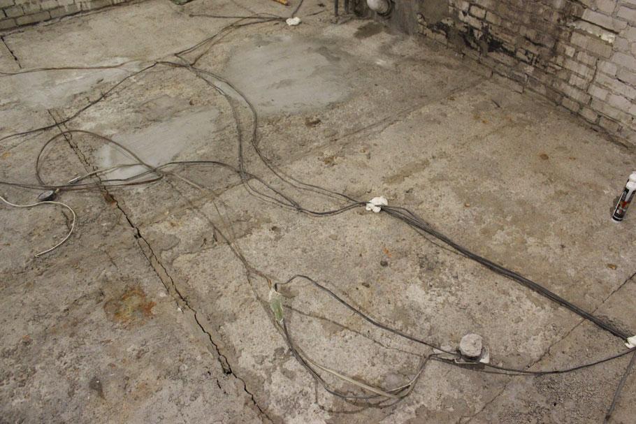 проводка соседей снизу у нас в полу