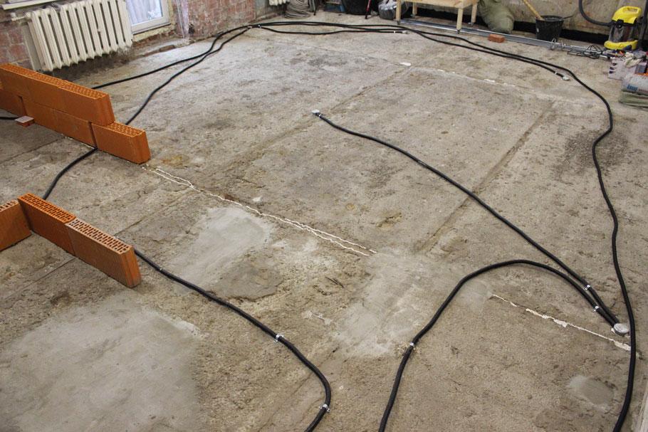 проводка соседей снизу в полу: защита перед стяжкой