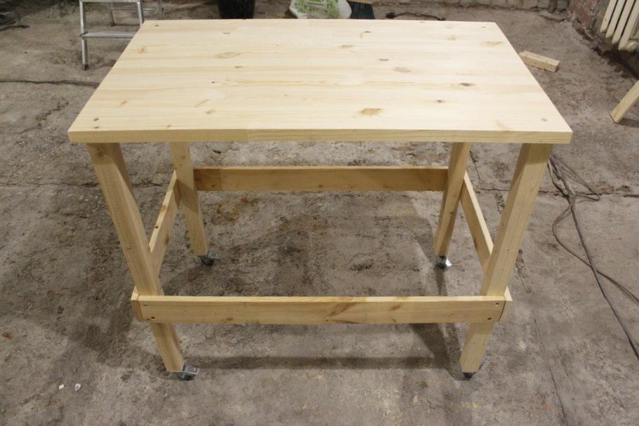 рабочий стол для ремонта квартиры на колесах