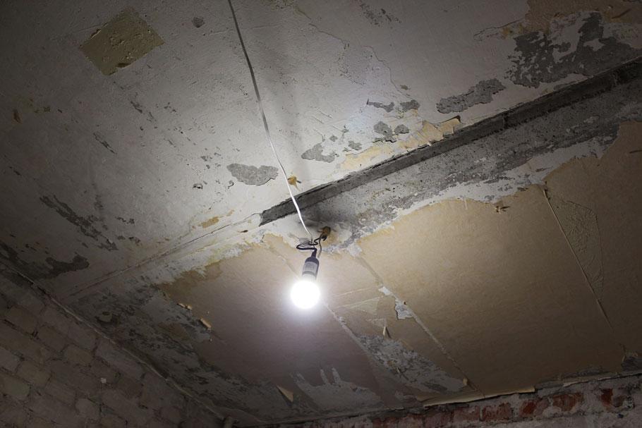 Крепление временного освещения квартиры на период ремонта