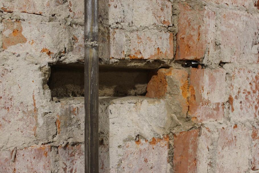 Демонтаж закладных для стен в хрущевке